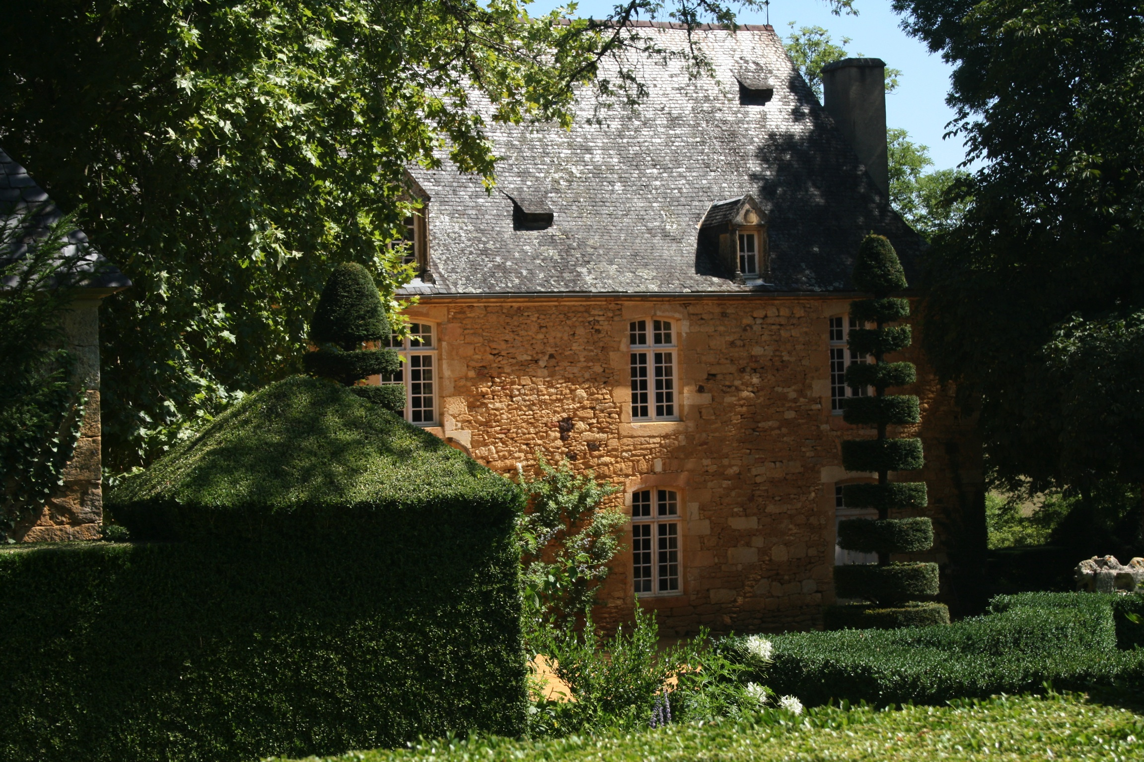 Eyrignac manor topiary
